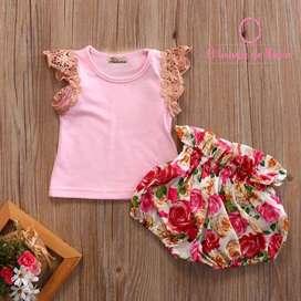 Conjunto Blusa Rosada/Short Flores