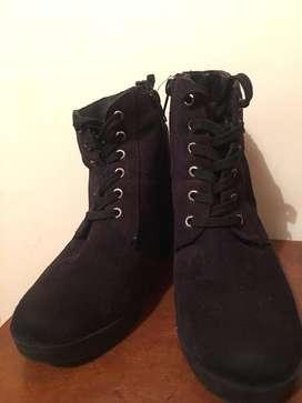 Botas negras talla 36