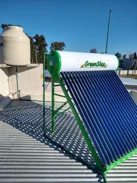 Termotanque solar atmosférico 125L para familias de hasta 3 integrantes.
