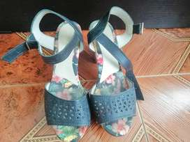Se vende zapatos en excelente estado