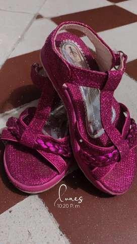 Lindas sandalias para niña de 2 años talla 24