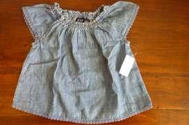 Blusa Baby Gap 12-18 meses c/ etiqueta tela tipo jean