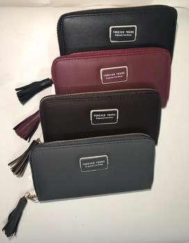 Venta de bolsos y billeteras al detal y al por mayor Referencia: D-115