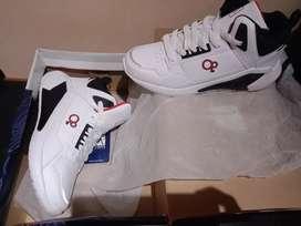 Zapatillas deportivas dos pares blanco y negro