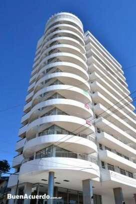 Alquiler Edificio. PANORAMICO: Ingg. Acevedo 193 bis 2 DORMITORIOS,COCINA COMEDOR,LIVING BAÑO Y GARAGE- sum pileta