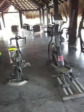 Mantenimiento general de equipos de gimnasio.