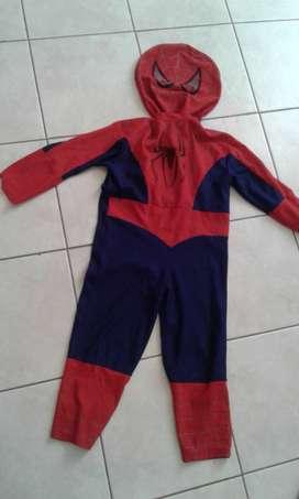 Disfraces Spiderman y Batman