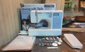 Máquina de coser BROTHER CE-5500 CASI NUEVA