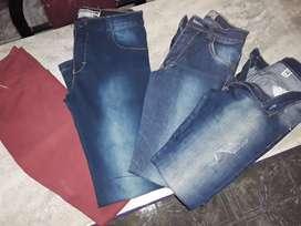 Jeans elastizado de nene talle 12 c/u $200 0 los 4 x$450