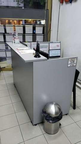 Variados muebles de oficina