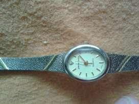 Reloj de dama Pierre Cardin