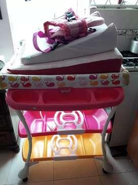 Bañera de bebé multifuncional, cargador y colchon