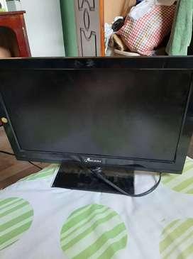Vendo televisor full hd 19 pulgadas  por motivo de estudio