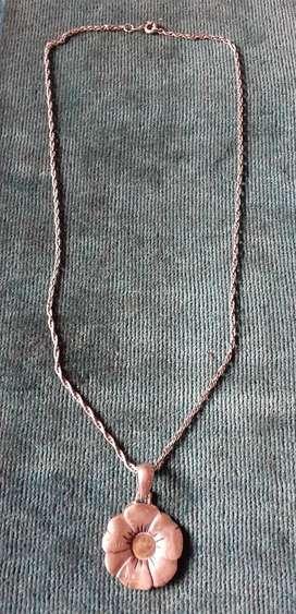 Cadena y colgante en Plata 900, pesa