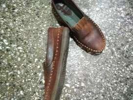 Zapatos usados número 42 cuero vacuno con carpinccho