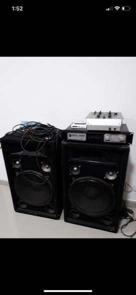 Equipo de sonido con amplificadior poderoso.