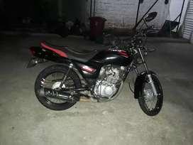 La moto esta en perfectas condiciones
