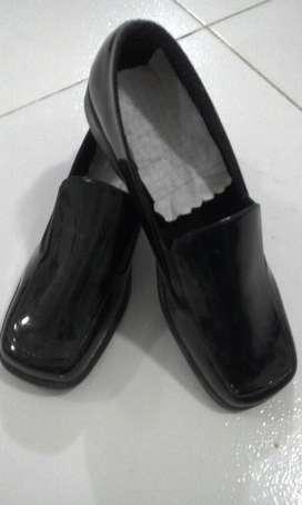 Vendo Zapatos Cuero Charol NUEVOS