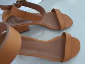 Sandalias nuevas talla 37
