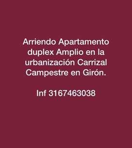 ARRIENDO APARTAMENTO DUPLEX TERMINANDO Y MUY CENTRAL EN GIRN