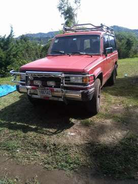 Isuzu trooper modelo 86 motor 2300 carburada