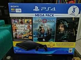 Vendo Consola Play station 4 super pack tres juegos tres meses play station plus