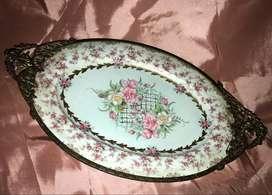 Importante Bandeja / Centro de mesa en Porcelana Noritake ,Garniture de Bronce.Shabby style 42 cm Hacemos envios