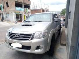 Camioneta Toyota hilux Srv 2014