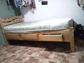 Vendo cama en madera ultra fina