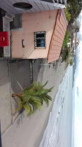 alquilo casa vacacional en tonsupa frente al mar