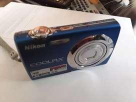 cámara nikon coolpix s220 con cargador genérico 10 megapíxeles