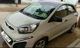 Por ocasión de viaje vendo auto Kia picanto uso particular auto 9 de 10