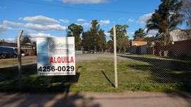 Alquila Lote 2700 m2 a metros de Camino Gral Belgrano