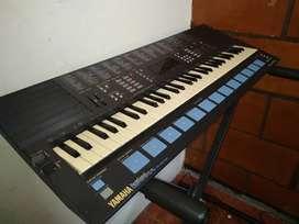 Teclado Yamaha PSS 680