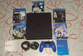 Play station 4 500 GB con 5 juegos