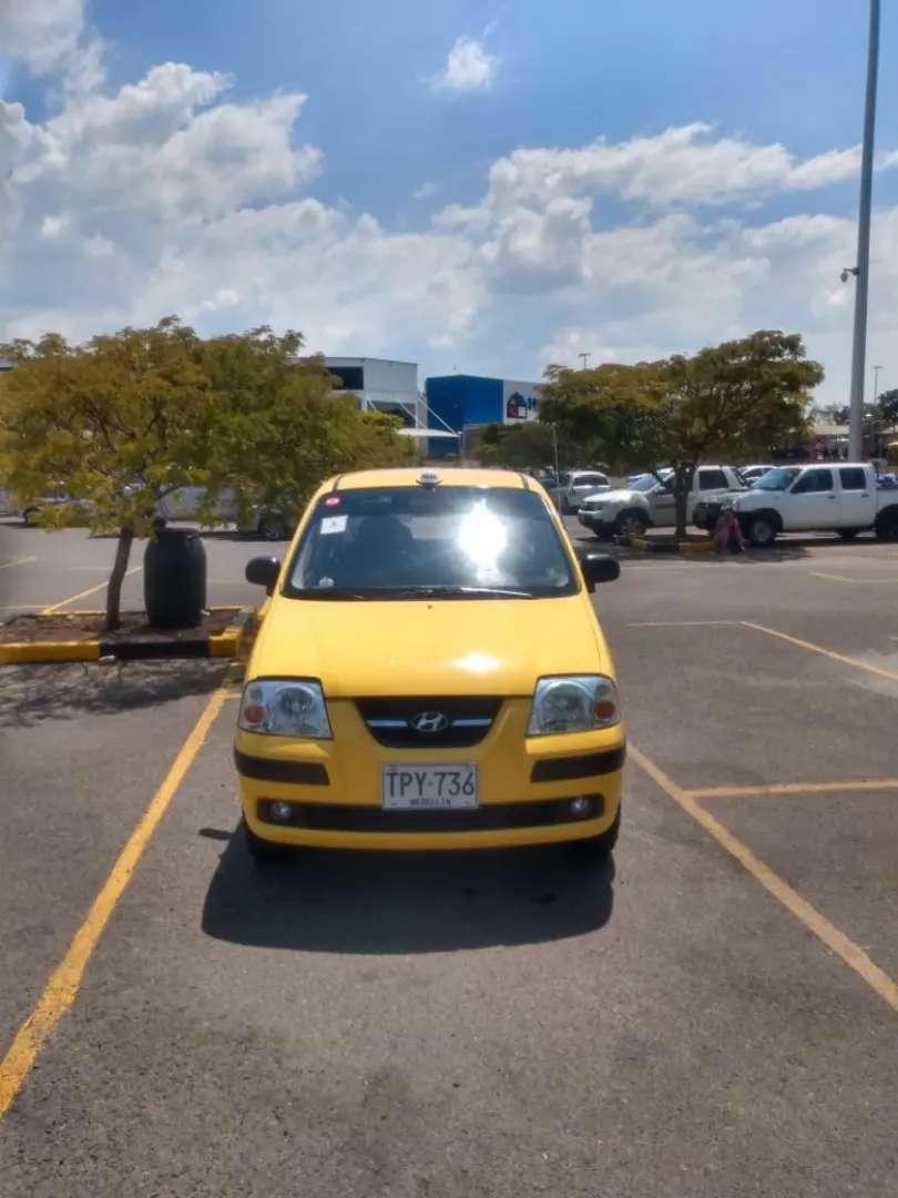 Se vende taxi Hyundai Atos placas Medellín flota Bernal en excelente estado 0