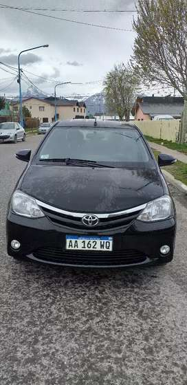 Vendo Toyota etios XlS