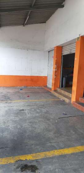 Alquilo Local Comercial Norte. 1 Parqueo