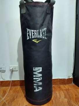 Saco de boxeo Everlast MMA