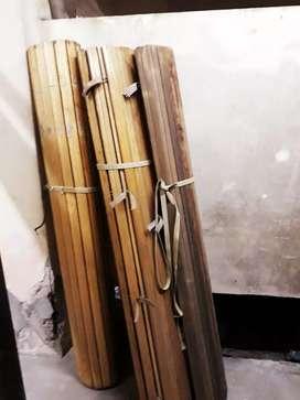 Persianas de madera usadas.  Llevando las tres hay descuento.