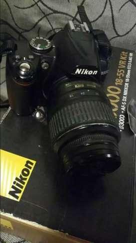 Vendo Nikon D3000