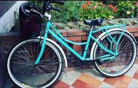 Vendo bicicleta con canasta