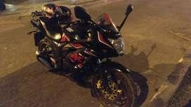 Vendo moto Suzuki Gixxer 150 color negra con poco uso cinta con accesorios valorizados en 500 soles .