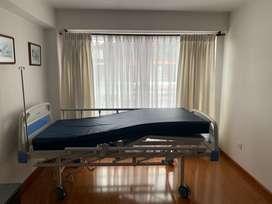 Cama hospitalaria eléctrica más colchón