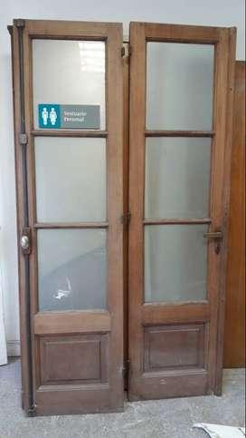 Vendo 2 puertas de madera maciza