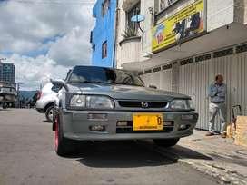 Mazda 323i Hs 2004