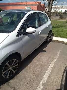 Vendo Peugeot 208 feline 1.6 blanco perlado