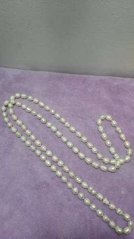 Collar de perlas largo