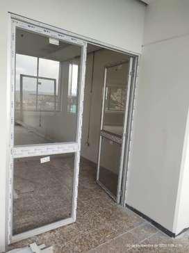 Se necesita trabajador con experiencia en el area de vidrios y aluminios
