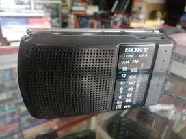 Radio Sony am FM mediano 16x10x2 CM ICF 8 baterías 2A buen estado original